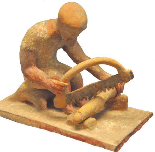 Раскрашенная терракотовая статуэтка, V в. до н. э.