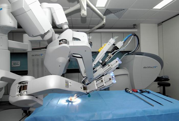 Роботизированный хирургический комплекс «да Винчи»
