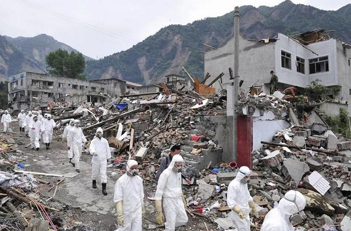 Поврежденный город после землетрясения в провинции Сычуань (Китай)