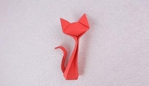 Фигурка кошки в технике оригами