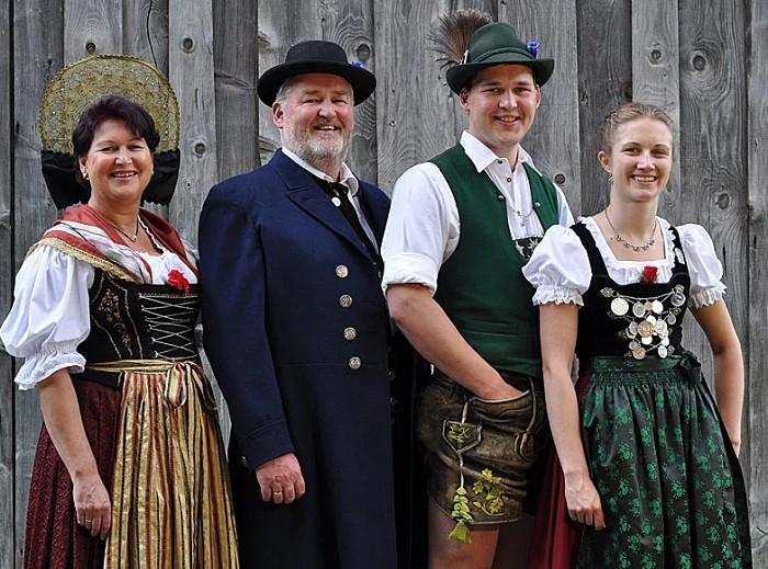 выбрать картинки национального немецкого костюма видно, что