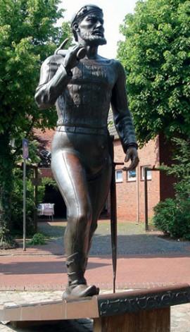Памятник Клаусу Штёртебекеру в Мариенхафе (Германия)