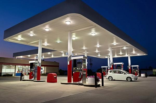 Топливо для автотранспорта производят из нефти химическими методами