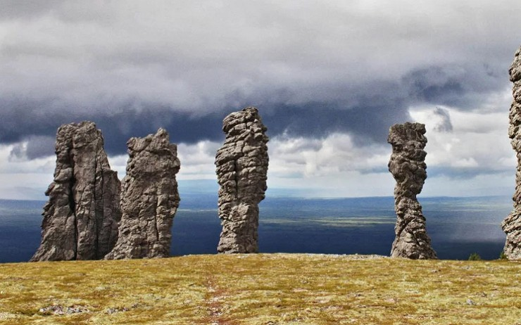 Столбы выветривания плато Маньпупунёр — одно из чудес России