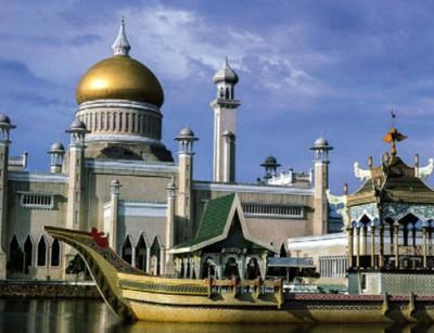 Мечеть Султана Омара Али Сайфуддина в Брунее