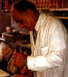 Еврейский мясник за работой