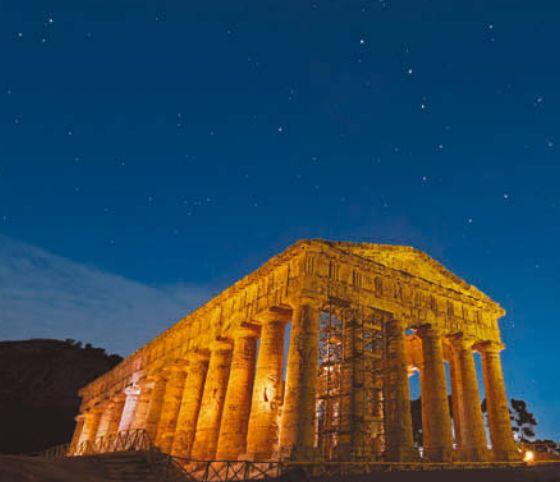 Созвездия над древним Парфеноном