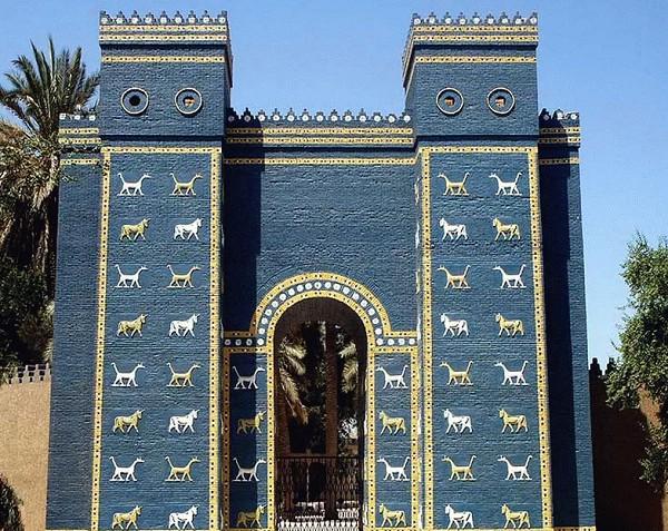 Ворота богини Иштар в Вавилоне. VI в. до н. э. Реконструкция