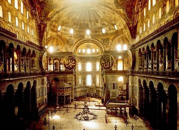 Собор Святой Софии. Константинополь. VI в. Интерьер