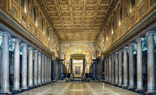 Интерьер Санта-Мария-Маджоре в Риме