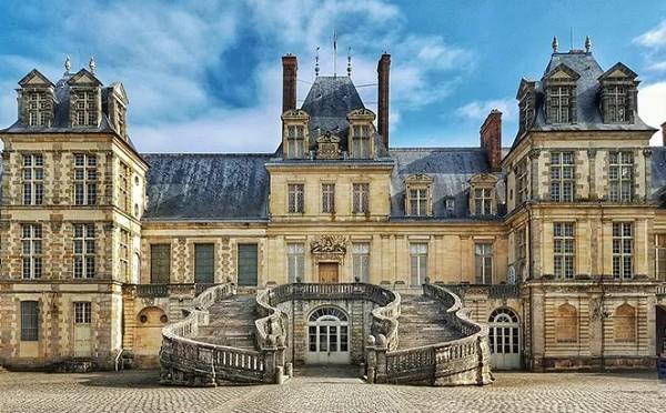 Дворец Фонтенбло. Франция. XVI в.