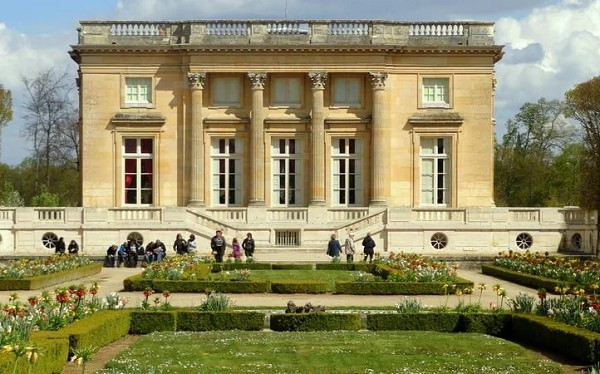 Малый Трианон. Версаль. Франция. XVIII в. Архитектор Ж.-А. Габриэль