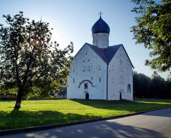 Церковь Спаса Преображения на Ильине улице. XIV в. Новгород