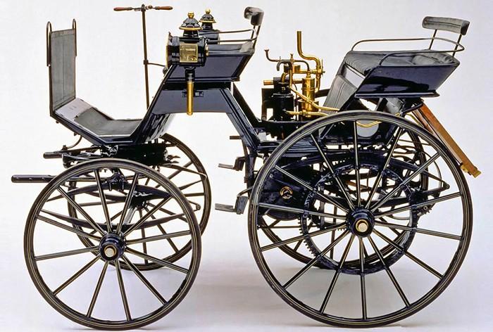 Первый автомобиль Даймлера