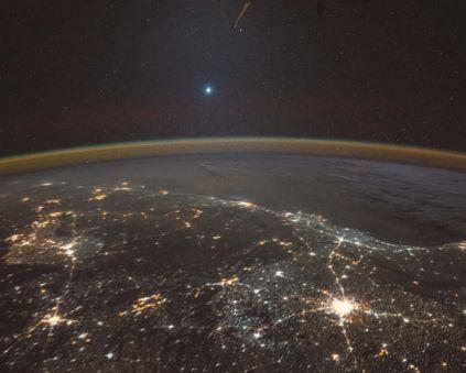 Вид на Венеру с Международной космической станции