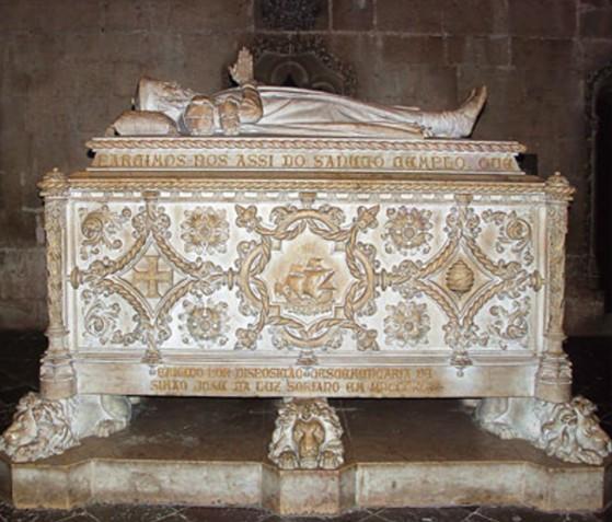 Могила Васко да Гамы в монастыре иеронимитов в Лиссабоне