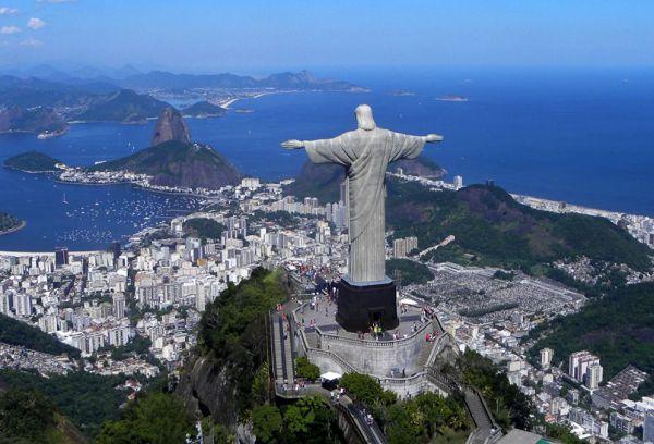 Статуя Христа Спасителя в Бразилии