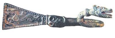 Скоба для подвешивания меча