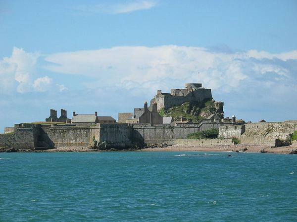 Замок Елизаветы на Нормандских островах